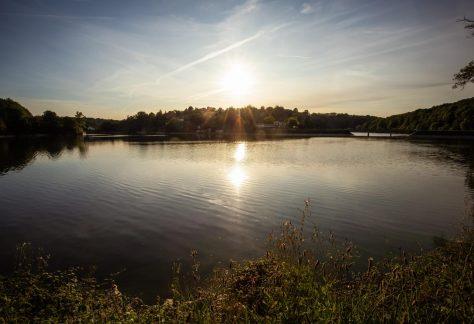 Coucher de soleil sur le lac de Mervent