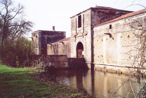 Le château de la Citardière à Mervent en 2010