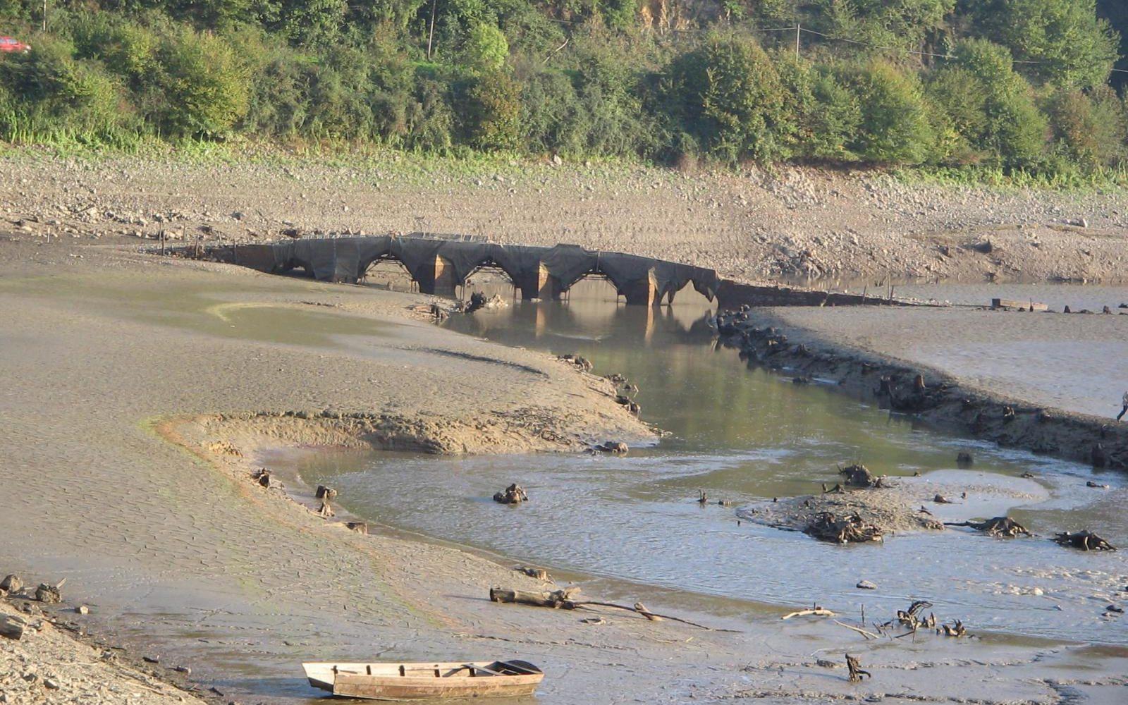 Le vieux pont de la Vallée à Mervent