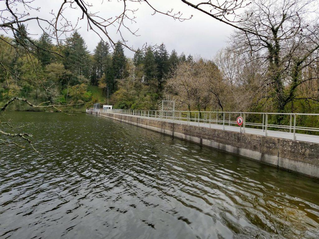 Retenue d'eau barrage d'Albert Mervent